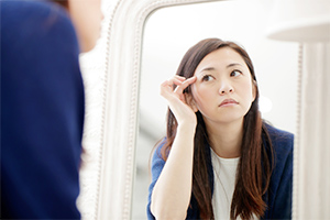 眉毛脱毛で自己処理のリスクを回避
